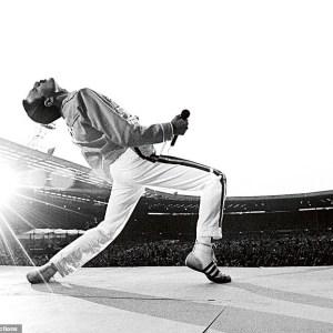 Imagini nemaivăzute cu Freddie Mercury. Fotograful lor publică o carte cu poze intime ale formației Queen