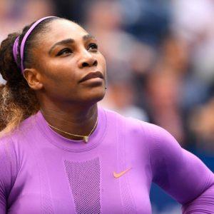 Serena Williams e într-o formă de zile mari. S-a atârnat de tavan. FOTO