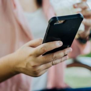 Marele jaf. Hoții prinși, marfa de negăsit. Oare câți români folosesc telefoane furate?