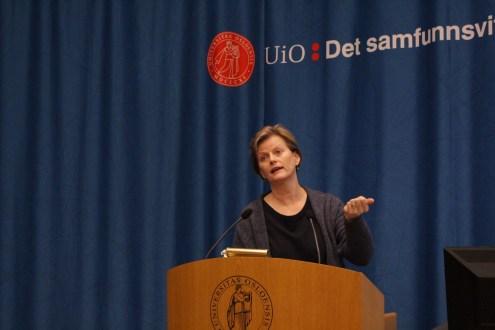Karine Nyborg presenterer hennes tanker om en forbedret økonomiutdanning.