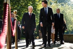 Dutch Prime Minister Mark Rutte receives Israeli President Shimon Peres on September 29, 2013