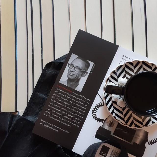 Resenha de Invente Alguma Coisa de Chuck Palahniuk, publicado em 2018 pela Editora Leya.