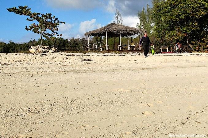 Beach Location - Snorkel Ocean Atlas In Nassau.jpg