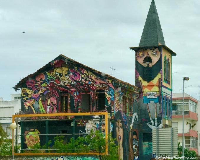 Olhao Graffiti House.jpg