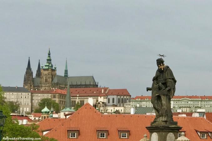 Bridge Views Castle and St Vitrus - Walk The Charles Bridge In Prague.jpg