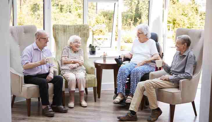 How To Choose A Senior Living Community for Seniors