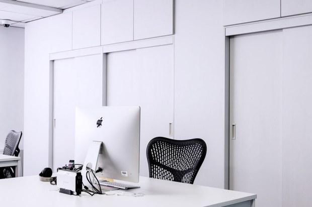 ergonomics for retouchers at your desk