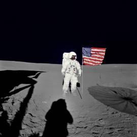 Mitchell sur la lune (crédit:Nasa)