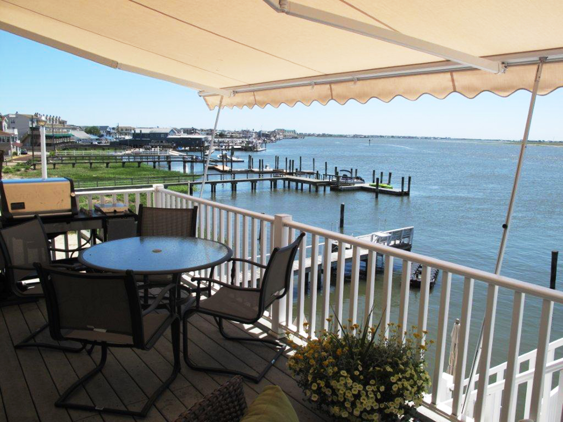 Betterliving Retractable Awnings