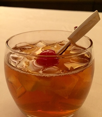 bull--bear-old-fashioned-cocktail-512015-173315_vert-large