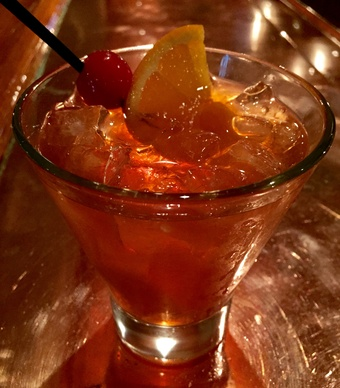 the-drake-old-fashioned-cocktail-512015-17353_vert-large
