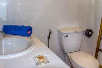 Superior Beach Bungalow Interior Bathroom