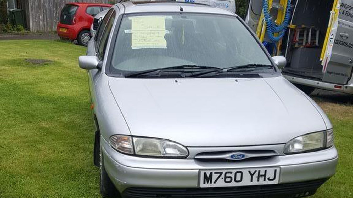Ford Mondeo: £300