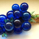 Large bunch of vintage blue lucite grapes, perfect for the retro home decor.