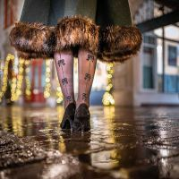From glamorous to kitschy: Festive Tights for Christmas Time
