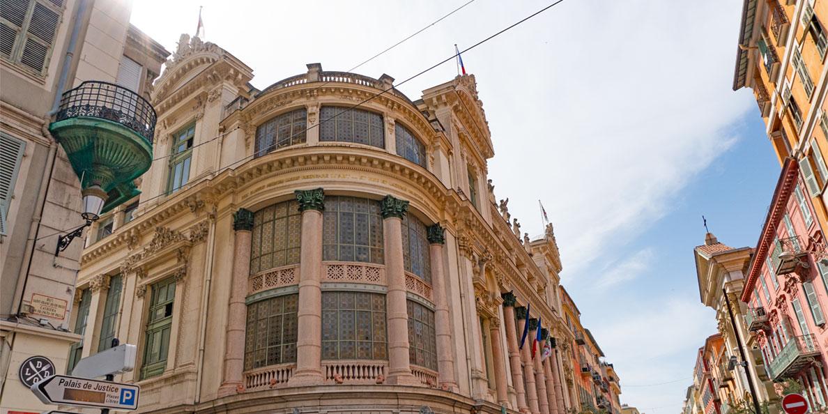 Die traumhaft schöne Architektur in Nizza an der französischen Riviera