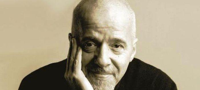 Paulo Coelho a Twitteren jelentette be
