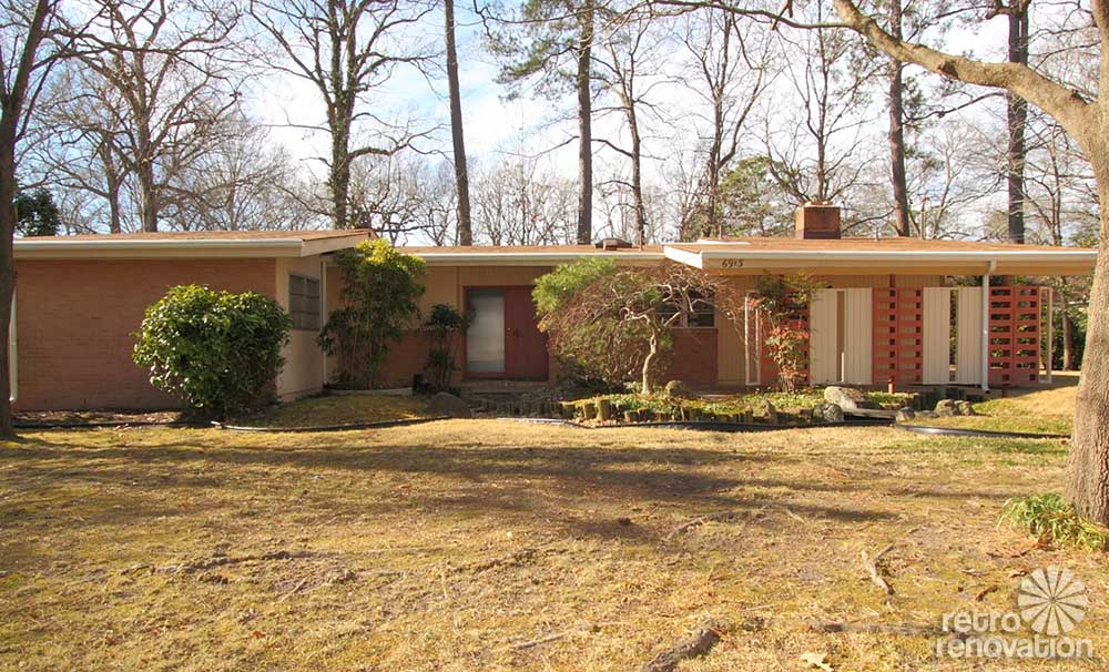 Warm And Beautiful 1962 Mid-century Modern Brick Ranch