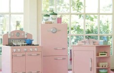 28 Dazzling Retro Kitchen Set That Will Catch Your Attention