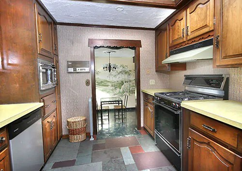 Amazing 1960s Storybook Ranch Time Capsule House 42