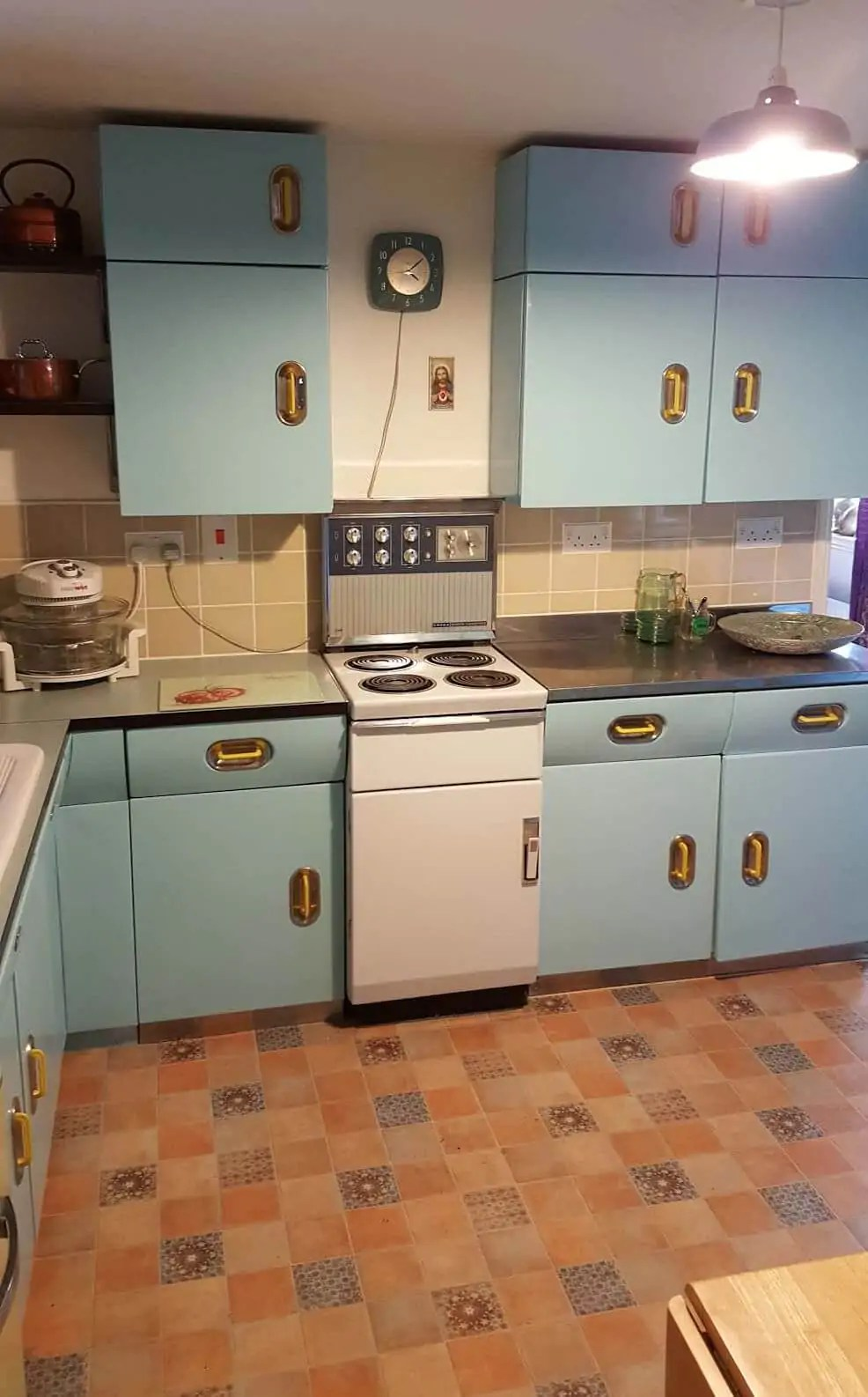 Ondrea And James English Rose Kitchen Two Sets