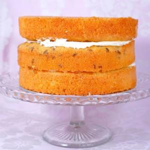 Как украсить торт масляным кремом – мастер-класс с видео ...