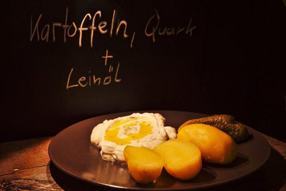 Kartoffeln mit Quark und Leinöl-1048x699