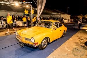 Desfile do premiado Karmann Ghia TC no IV Encontro Brasileiro de Autos Antigos