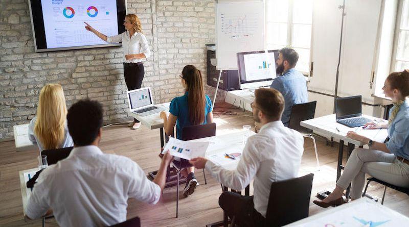 Manager de projet: environnement, rôle et étapes de la gestion de projet