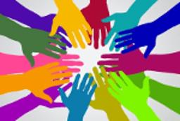 Les mains d'un collectif citoyen