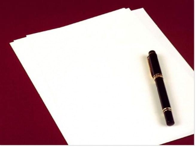 Papier-et-crayon-pour-ecrire