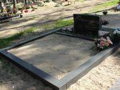 Lihvitud betoonist hauapiire 2 kohta must
