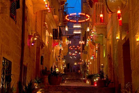 Birgu by candlelight