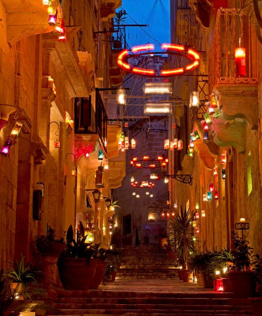 Birgu by candlelight