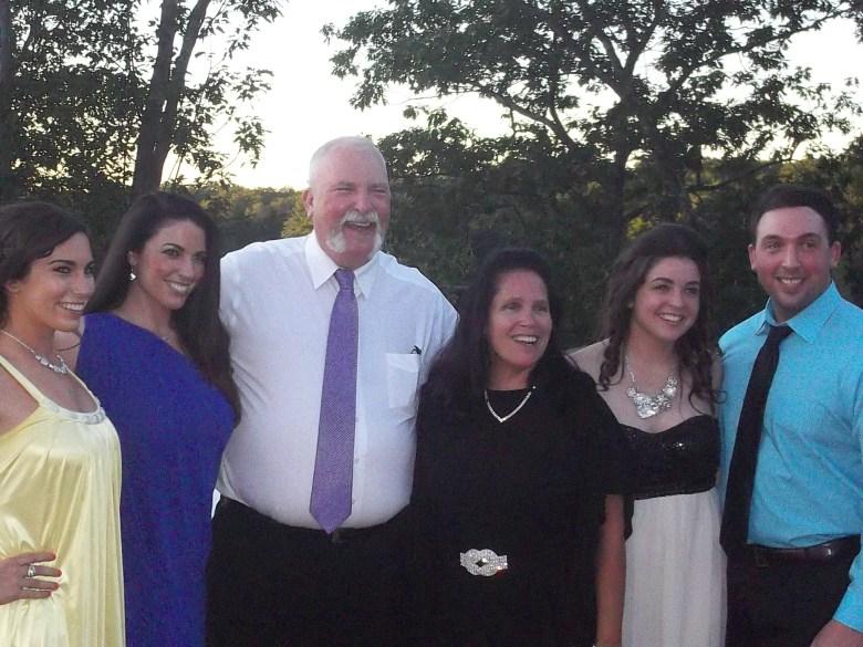 "The Rose family of North Attleboro, Mass."" Family foto) The Rose family of North Attleboro, Mass. (from left) Kaitlyn, Tara, Robert, Maureen, Casey and Ryan"