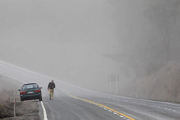 New Zealand: Mount Tongariro Errupts!