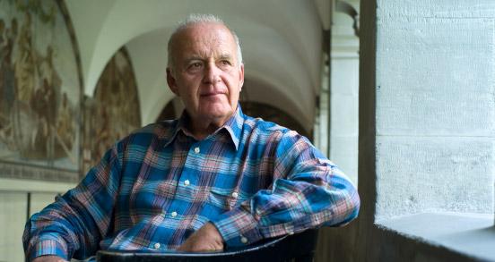 """DM-Gründer Götz Werner: """"1000 Euro für jeden machen die Menschen frei"""""""