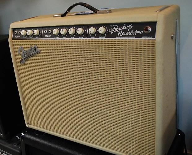 Fender Custom Vibrolux Reverb Amp S