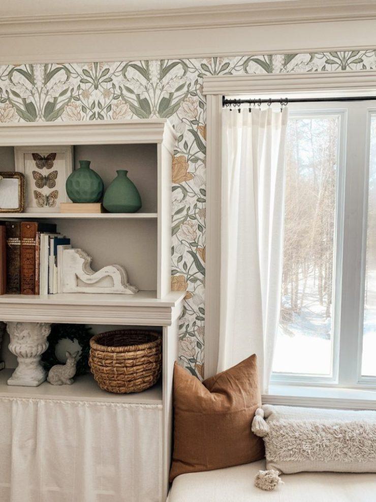how to paint melamine bookcases. Comment peindre un meuble en mélamine.