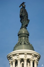 columbia-statue-of-freedom-atop-the-dome-of-the-capitol