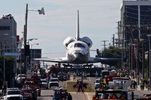 The+Space+Shuttle+Endeavour+in+Los+Angeles