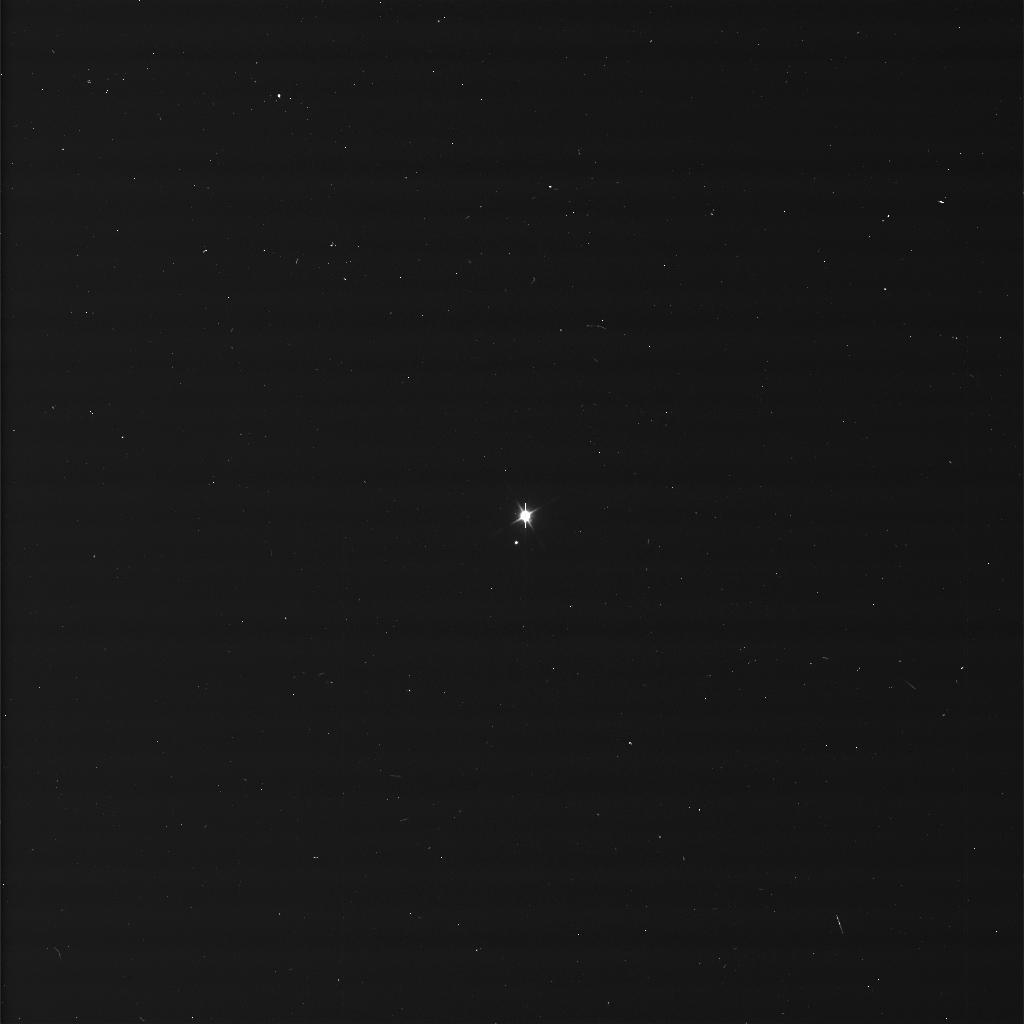La Terre et la Lune vues par Cassini - Image brute - 19 Juillet 2013. Crédit image: NASA / JPL-Caltech / Space Science Institute