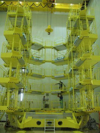 l'échafaudage KMTO à partir duquel nous aurons accès au satellite une fois installé sur le Fregat