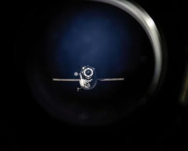 Le Progress M21 en approche (source NASA)