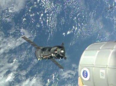 le Soyouz TMA-09 lors de son repositionnement (source NASA TV)