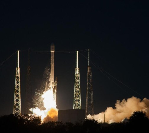 Lancement de Falcon 9 avec SES 6 à son bord le 3/12/13 (source Space X)