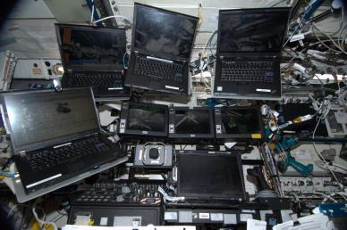La station de contrôle du bras robotique Canadarm2 de l'ISS (via @Astro_Wakata)