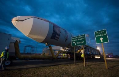 Roulage de la fusée Antares le 6 janvier 2014 (source NASA)