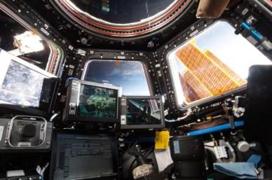 La station de travail dans la Cupola de l'ISS (source NASA)