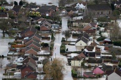 Le village de Moorland dans le Somerset près de Bridgwater le 10 février 2014 (source Daily Mirror)
